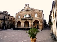 Palazzo comunale Rocca San Giovanni.jpg