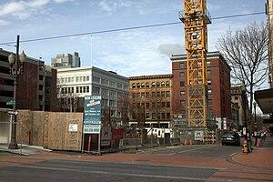 Park Avenue West Tower - Image: Park Avenue West Tower construction stopped 20100228 Portland Oregon