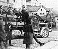 Partizanski kamion v Cerknem.jpg