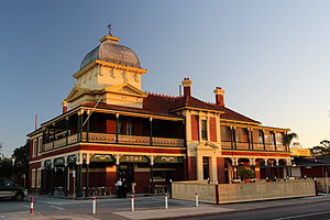 Maylands, Western Australia - Peninsula Hotel Maylands dawn
