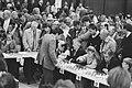 Persconferentie Grandmasters Association simultaanschaker Kasparov, Bestanddeelnr 934-1637.jpg