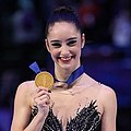 Photos – World Championships 2018 – Ladies (Medalists) (2) (cropped).jpg