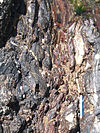 Gros plan d'un bloc de phtanite