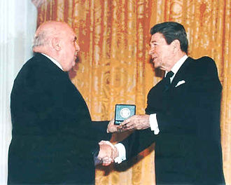Frank Piasecki - Piasecki (L) receives the National Medal of Technology from U.S. President Ronald Reagan in the 1980s.