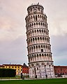 Pisa tower (27914627639).jpg