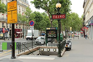 République (Paris Métro) - Image: Place de la République (Paris), réaménagement, 2012 06 19 09