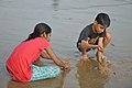 Playful Children - New Digha Beach - East Midnapore 2015-05-01 8844.JPG