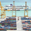 Port de Barcelone avec paquebot.jpg