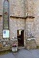 Porte latérale nord de l'église Saint-Pierre et Saint-Paul de Bréel.jpg