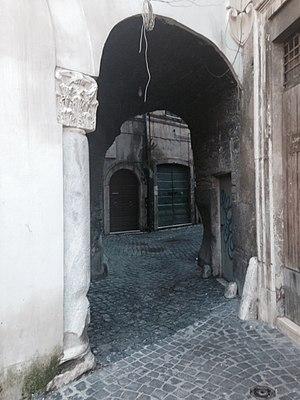 History of the Jews in Tivoli - Vicolo dei Granai that ends in Piazza Palatina, ancient door of the Ghetto.