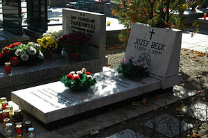 Jan Stanisław Jankowski - Symbolic grave of Jankowski (far), next to the tomb of Józef Beck at Warsaw's Powązki Military Cemetery