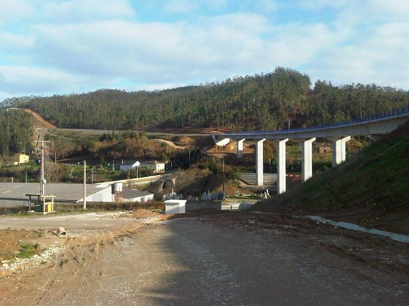 Ponte sobre o Río Baleo, 24 de decembro de 2011.
