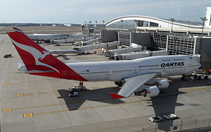 Qantas Flights 7 and 8 - Wikipedia