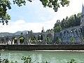 Rampes d'accès à la basilique de l'Immaculée Conception.jpg