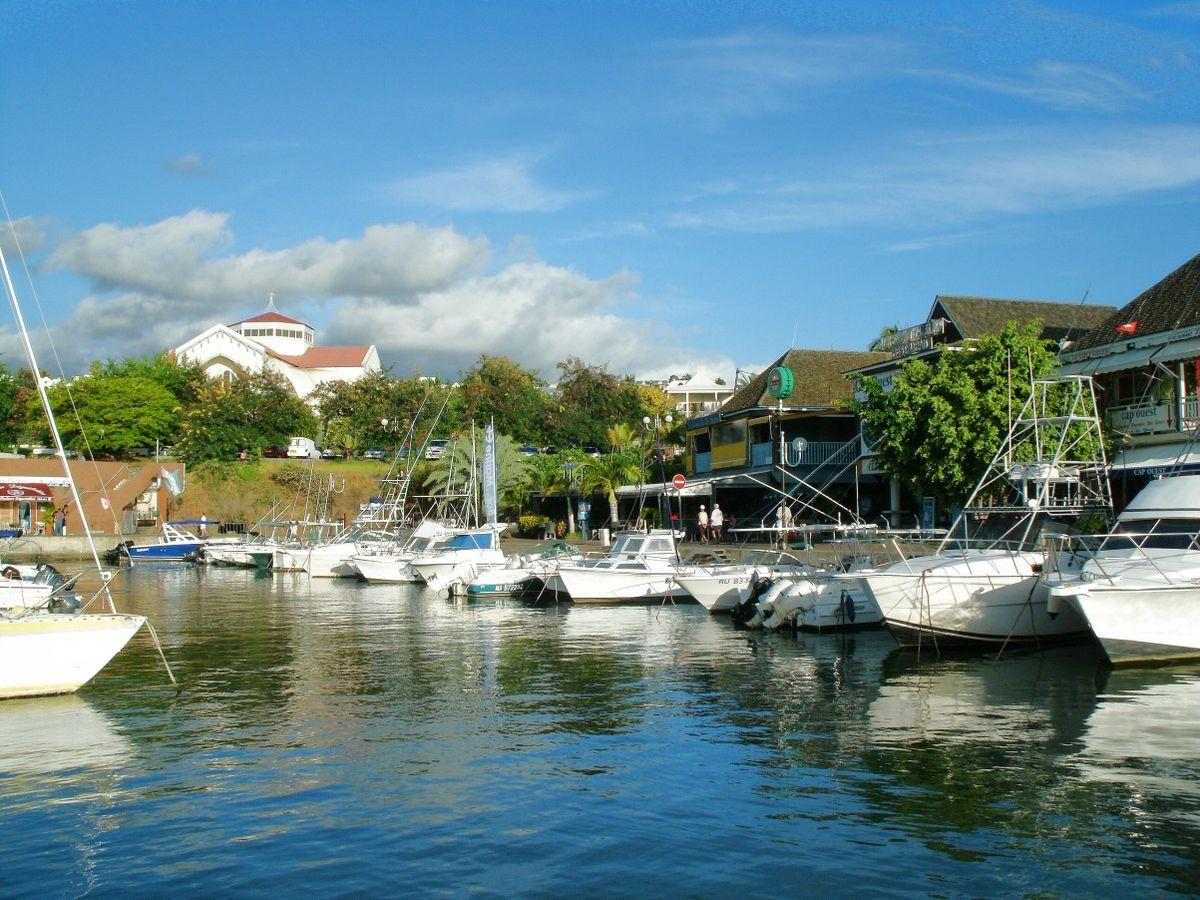 Gilles Les Bains Isla De La Reunion M Ef Bf Bdtiss Caf Ef Bf Bd Bar Restaurant