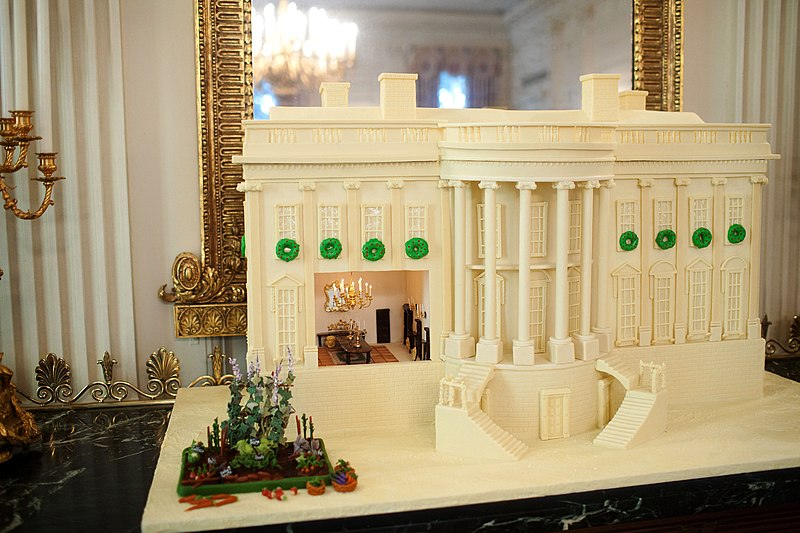 File:Replica of the White House made of gingerbread and white chocolate.jpg