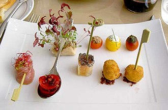Hors d'oeuvre - Image: Restaurant appetizers