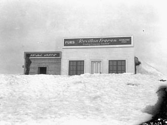 Revillon Frères - Revillon Frères post, Repulse Bay, Nunavut, June 1926 (Photographer: L.T. Burwash).