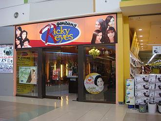 Ricky Reyes (hairdresser) - Gandang Ricky Reyes salon at SM City Baliuag.