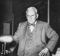 Robert A. Millikan 1953.png