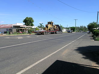 Rolleston, Queensland - The main street of Rolleston