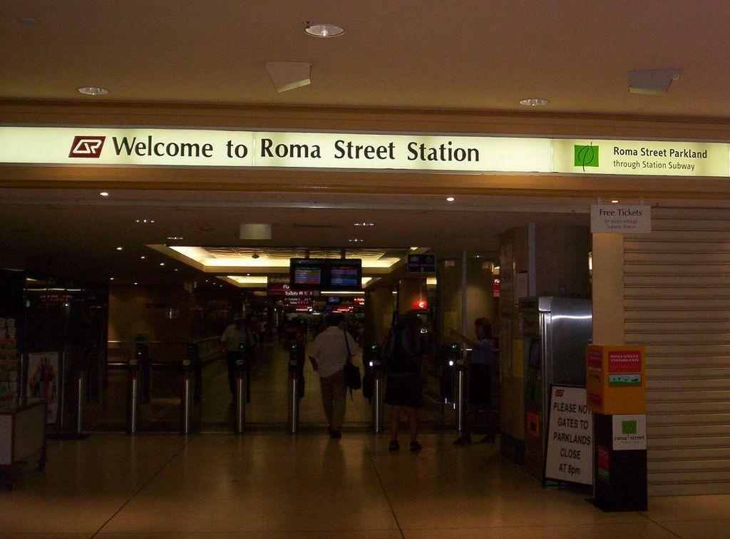 file roma street station wikimedia commons. Black Bedroom Furniture Sets. Home Design Ideas