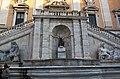 Roma - Piazza del Campidoglio - 003 - Fontana.jpg