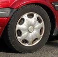 Rover 100 Cabriolet 1.1 hubcap.jpg