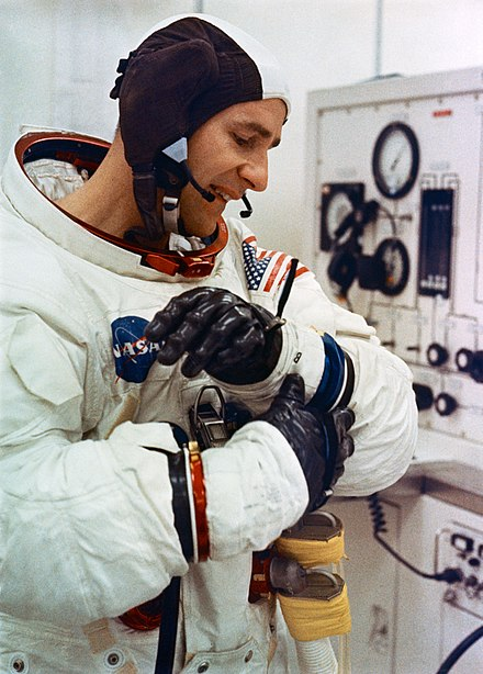 Bean during suiting-up for Apollo 12 flight S69-58880.jpg