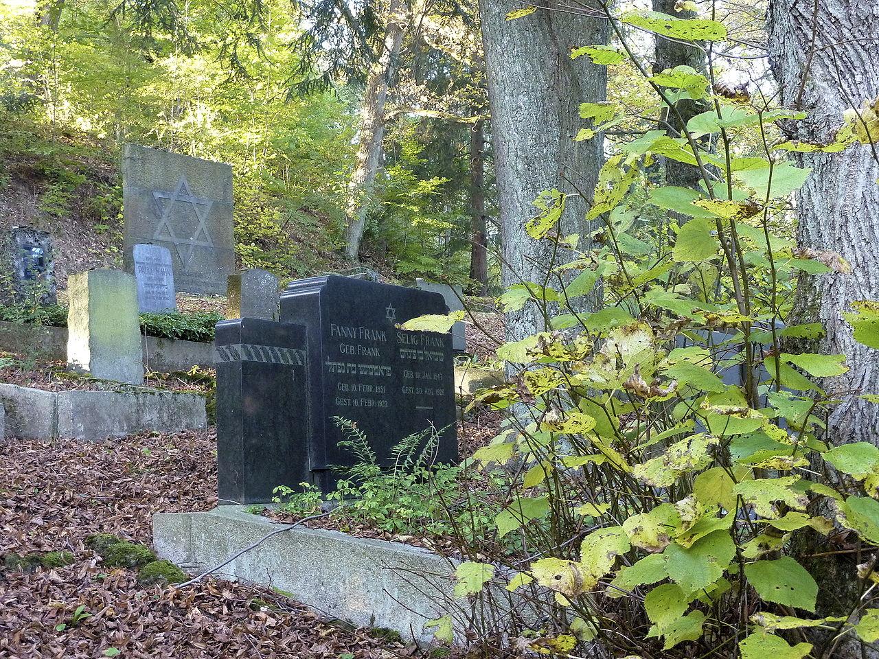 SI Hermelsbacher Friedhof Juedischer Friedhof Graeber 02.jpg