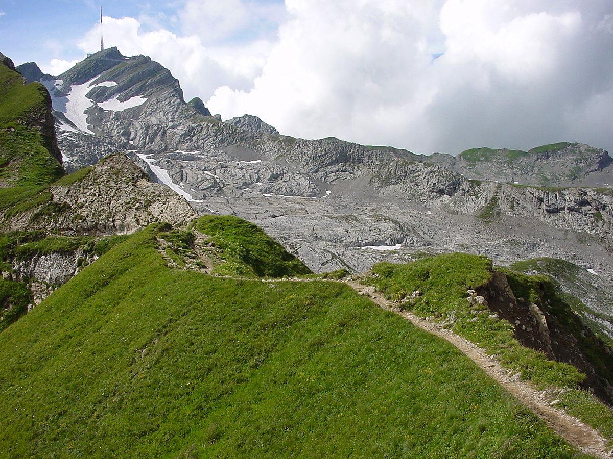 Résultats de recherche d'images pour «sentier en montagne»