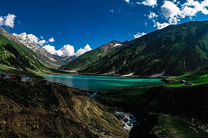 Saif-Ul-Malook Lake.jpg