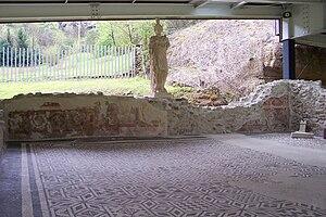 Sanctuary of Minerva - Image: Santuario di Minerva statua nell'aula centrale Spinera di Breno (Foto Luca Giarelli)