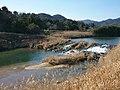 Sanzengoku weir in Jobaru River in Kanzaki.jpg