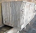 Sarcofago 36, striglato con porta dell'oltretomba 03.JPG