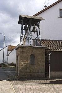 Schneckenhausen Protestantischer Glockenturm.jpg