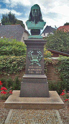 Denkmal in Waltersdorf von Hermann Schubert (1888) (Quelle: Wikimedia)