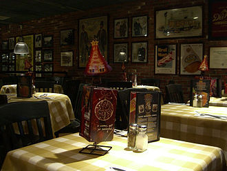 Uno Pizzeria & Grill - The interior of the Pizzeria Uno in Harmon Meadow Plaza in Secaucus, New Jersey in 2007. This location has since closed.
