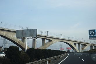 Shanghai–Hangzhou high-speed railway - Viaduct carrying the Shanghai–Hangzhou passenger railway