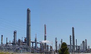 Raffineria di petrolio - Wikipedia