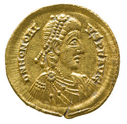 Solidus of Honorius (YORYM 2001 12465 2) obverse.jpg