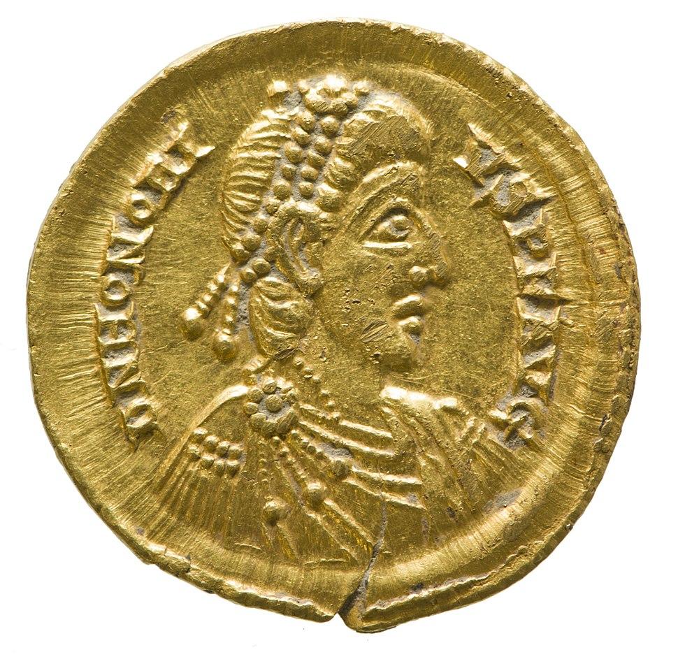 Solidus of Honorius (YORYM 2001 12465 2) obverse