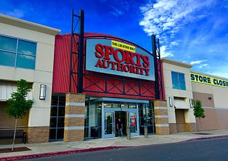 Sports Authority - A Sports Authority store in Tanasbourne, Oregon on May 20, 2016, with sign announcing closure of the store.