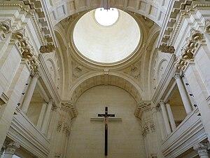St Patrick's Basilica, Oamaru - St. Patrick's Basilica, Oamaru, crossing and main dome interior.