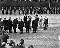 Staatsbezoek van koningin Elizabeth II van Engeland en prins Philip aan Nederla…, Bestanddeelnr 909-4462.jpg