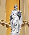 Statue Hl. Lucas Pfarrkirche Laxenburg.jpg