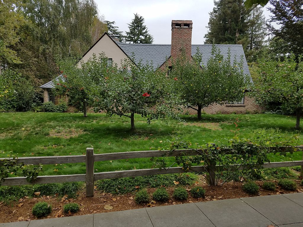 File stevejobs house in paloalto with fruit for La city jobs