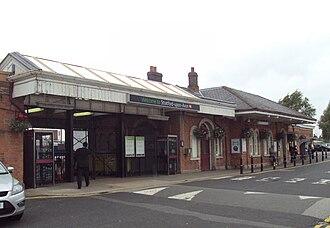 Stratford-upon-Avon railway station - Station frontage.