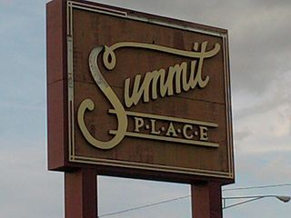 Summit Place Mall Shopping mall in Michigan, United States