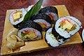 Sushi roll (26735995731).jpg